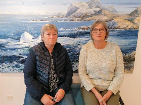 SEIER IFRÅ: Sissel Heggheim (NSF) og Wenche Gabrielsen (Fagforbundet) er tillitsvalde ved Askvollheimen. Dei fortel om krevjande arbeidsforhold, og ber no politikarane om å auke grunnbemanninga.
