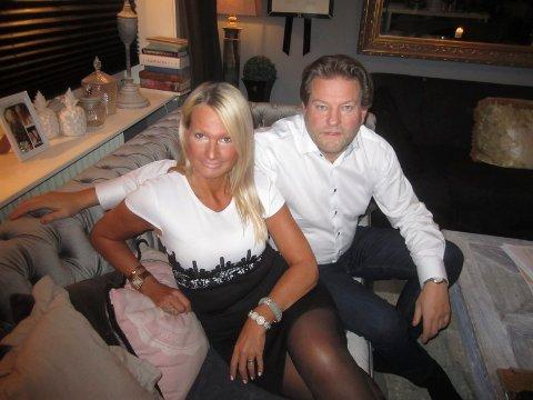 INVITERER ALLE: Marita Wennevold Holden og  Øivind Kylstad inviterer like godt alle når de gifter seg i Fredrikstad domkirke på lørdag. I tillegg til vielsen, får gjestene høre Dan René Dahl og Maria Mohn. Arkivfoto: Tore Tindlund