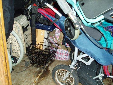 ØDELAGT: Masse forskjellig utstyr er ødelagt som følge av lekkasjen. (Foto: Natalina Wanda)