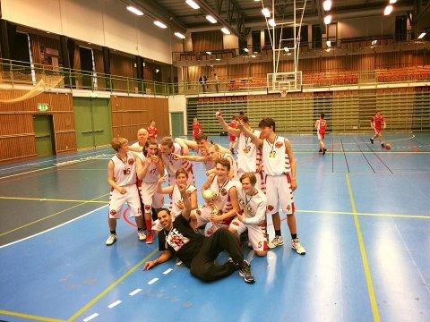 G17 tar gull i Skøvde Cup 2016