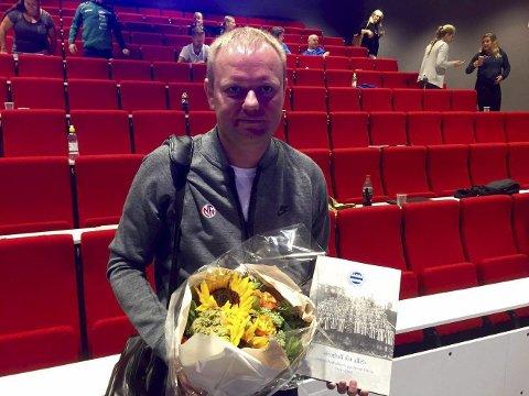 TALTE: Landslagssjef for kvinnelandslaget, Roger Finjord, inspirerte lokale trener og fotballedere lørdag.