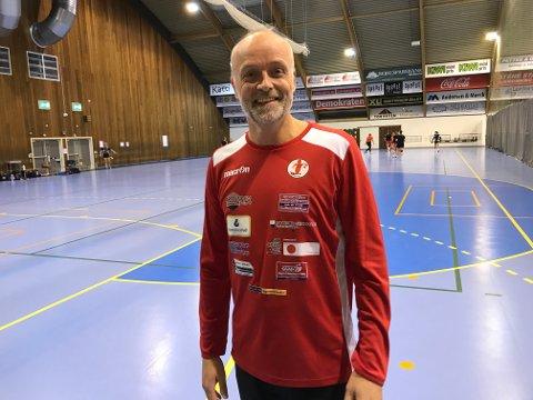 SPENT: FBKs juniortrener Lasse Brevik håper at hans lag skal ta seg til Lerøyserien. Foto: Vidar Henriksen