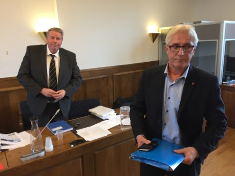 Vitnet: Rådmann Ole Petter Finess var kalt inn som vitne av kommunen i rettssaken med Roy H. Jakobsen. Bak står kommunalsjef Atle Holten.