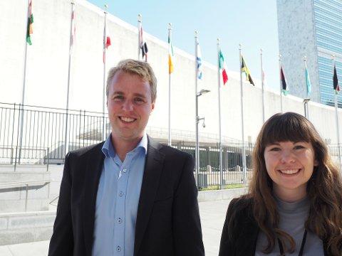 TALERE: Sammen med Daniel Overskott fra Laget (Norges kristelige Student- og Skoleungdomslag) fikk Maria Moe komme med en oppfordring til meldemslandene i FN denne uken; at man ikke kan la noen være igjen i arbeidet med å nå FNs bærekraftsmål.