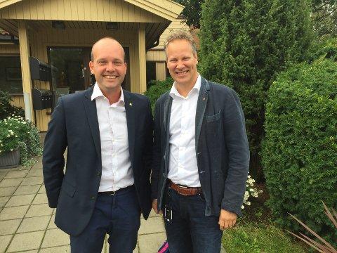 Ordførerne er enige: Sarpsborg-ordfører Sindre Martinsen-Evje (til venstre) og Fredrikstads Jon-Ivar Nygård har gått sammen om næringslivssatsing. Flere oppgaver står for tur. (Arkivfoto: Øivind Lågbu)