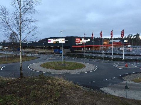 Tanum shoppingcenter trues av konkurs.