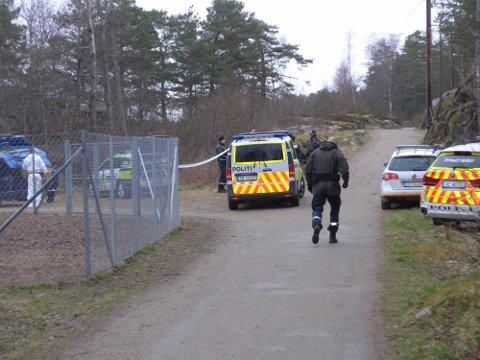 FANT KVINNEN TORSDAG: Politiet sperret av området ved Hundeparken etter funnet av den døde kvinnen.