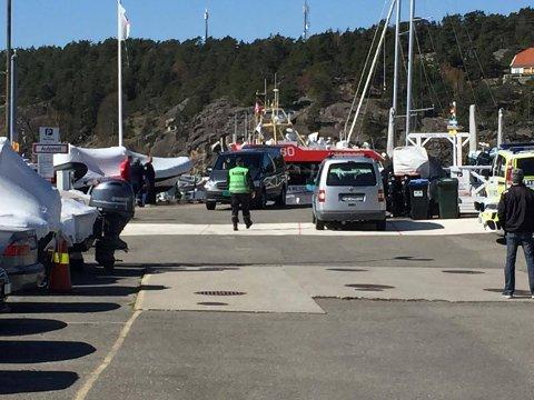 En mann er bekreftet omkommet etter en båtulykke i Hankøsundet søndag.