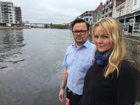 Grupplederne i Fredrikstad og Hvaler Arbeiderparti, Atle Ottesen og Mona Vauger vil jobbe for at kommunene selv skal kunne vedta egne regler for bruk av vannscooter i Hvaler- og Fredrikstadskjærgården