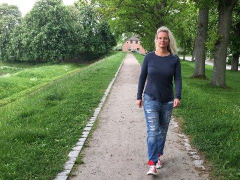 SAKSØKTE ARBEIDSGIVEREN: Cecilie Jensen (42) ønsket å fortsette å jobbe på sykehuset, men ba om omplassering etter at konflikten med arbeidsgiver eskalerte. Etter mer enn ett år uten inntekt har hun følt seg tvunget til å velge en annen vei, og startet på ny utdanning.