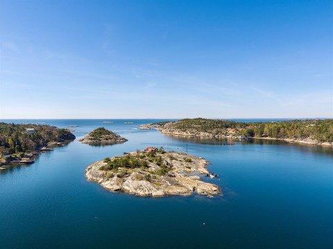 Egen øy: Løkholmen i Hankøsundet er Norges femte dyreste fritidseiendom akkurat nå. Den ble lagt ut til salg fredag.