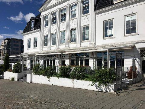 STENGTE DØRER: Pharma Bar & Kjøkken er nå historie. Hva som skal skje videre i lokalene, er foreløpig ikke kjent.