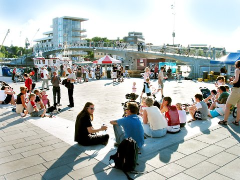 Studentbyen Fredrikstad: – Erfaringene, menneskene jeg har møtt, og ikke minst mulighetene jeg har fått ved å være engasjert, har overgått alle andre muligheter jeg har fått, skriver Marianne Dahl om livet som student i Fredrikstad.