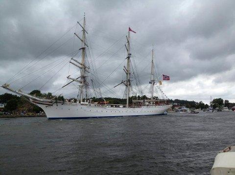 Kommer. Den stolte seilskuta Statsraad Lehmkuhl kommer til Fredrikstad 13. august.