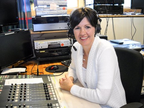 I ALLE KANALER: Radio Øst fortsetter sine sendinger på internett, FM-nettet og på DAB. Det mener Sølvi Olimb er nødvendig.