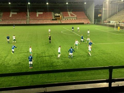 Oppgjøret mellom Kråkerøy2 og Rakkestad ble spilt på Fredrikstad stadion.