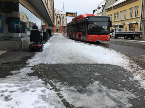 Isete: Når snøen blir hardtrampet og utsettes for temperaturforandringer, kan det bli veldig glatt.