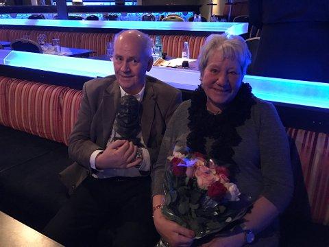 HEDERSPRISVINNER: Tor Harald Jørgensen ble tildelt «Kong Frederiks Hederspris 2017» for sin utrettelige innsats med blant annet Kulturhuset Ekko. Her sammen med kone Inger Johanne Bless.