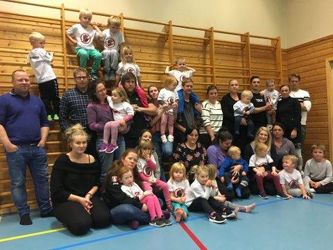 Aksjonerer: Foreldrene til barn i Brekke barnehage på Kirkøy er redd for at politikerne vil gjøre som rådmannen anbefaler: legge ned barnehagen.