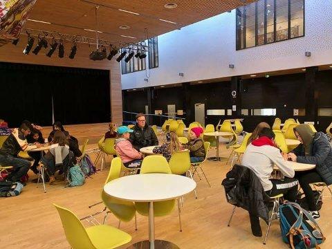 Populært: Cicignon skole har hatt gratis havregrøt i tre-fire år og får penger til å fortsette den populære frokosten. Både foreldre, elever og lærere kan benytte seg av tilbudet. Trara skole vil også starte med frokost.