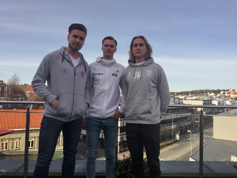 KLARE: Petter Stedjeberg (Østsiden), Eirk Laabak (Kråkerøy) og Peter Moen (Selbak) er klare for seriestart i 3. divisjon lørdag.