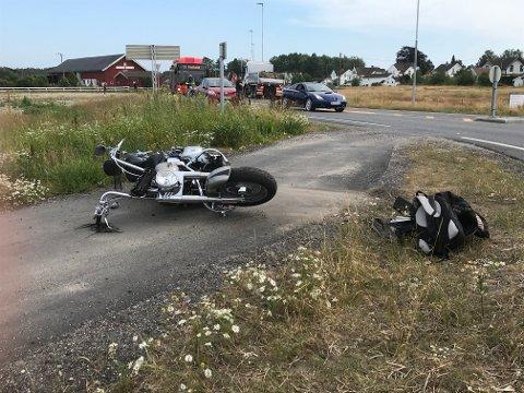 UFRIVILLIG LUFTETUR: Det var fredag ettermiddag at Jan-Erik Svanberg-Borgersens MC ble truffet av en personbil på Østsiden. Foto: Vidar Henriksen