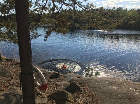 Sommerens siste bad? Mange har kost seg med bading i 3. dam i Fredrikstadmarka i sommer. Men med ukens temperaturer er det kanskje ikke like fristende med en dukkert.
