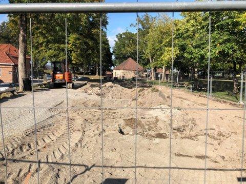 Fra byggeplass til lekeplass: I løpet av noen uker vil den nye lekeplassen i Gamlebyen stå ferdig.