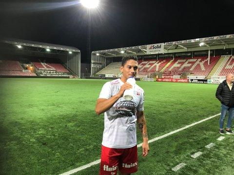 SCORET IGJEN: Kjell Rune Sellin nettet to mandag kveld på Stadion. Foto: Joakim Simensen)
