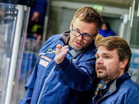BEKYMRET: Sparta-trener Sjur Robert Nilsen (til venstre) og Anders Gjøse gjør seg klare for torsdagens naboduell mot Stjernen i Amfi'n. - Vi må gi norske utøvere muligheter til å utøve sin idrett med gode rammebetingelser økonoimisk. Slik er det ikke i dag, mener Nilsen.