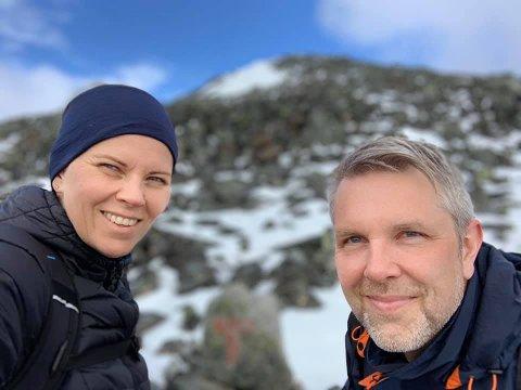 NATURGLEDE: Frank Langva og Karin Ammerud Sørensen testet om de tålte minusgradene i telt. Det gjorde de i fullt monn – det siste året har naturopplevelsene stått i kø.