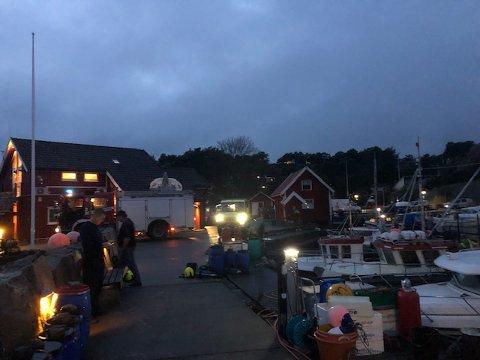 Det var i båthavna på Skjærhalden at det oppsto brann i et motorrommet på en fiskebåt.