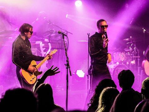 Åges Dansband samlet over 700 på Båthusteatret