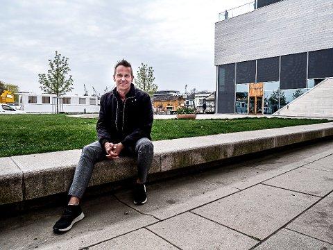 Jarl Ture Vormdal mener fargevalget på bygningenei byen vil svinge i takt trendene som gjelder når bygget bygges.