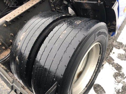 STOPP: Det ble full stopp for føreren av vogntoget med disse dekkene tidligere denne uken.