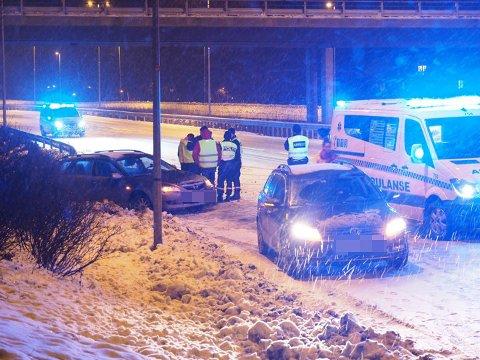 LØRDAG: Én av tre trafikkulykker ved 20-tiden på E6 mellom Årum og Skjeberg pukkverk