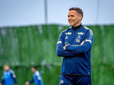 UNDER PRESS: Sarpsborg 08 har ikke fått resultatene de håpet på og ligger tredjesist på tabellen etter ni kamper. Nå venter FFK i cupens andre runde for Tom Freddy Aune & Co.