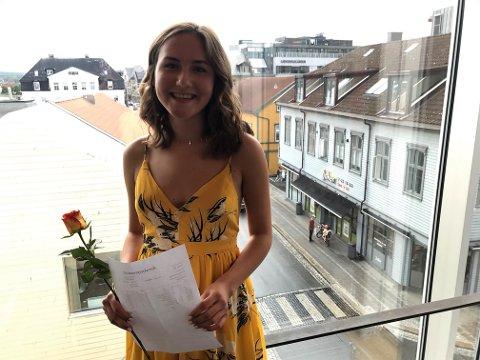 LYS FREMTID: Med seksere i alle fag kan Ida Sannes koste på seg et smil - og et hvileår.