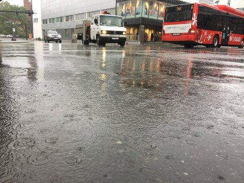 MULIGHET FOR REGN: Neste uke byr på muligheter for flere episoder med regn, melder Meteorologisk Institutt.