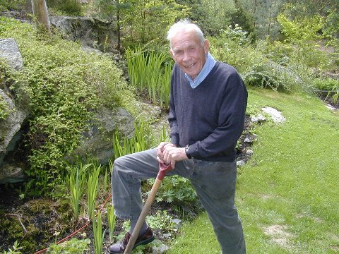 Praktiker: Leif Aune likte godt å holde på med havearbeid på Slevik.