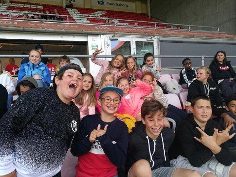 Sommerglede: FFK-kamp på Fredrikstad stadion var en av mange aktiviteter for barna på ferietilbudet til Lisleby FKs Fotball Fritid.