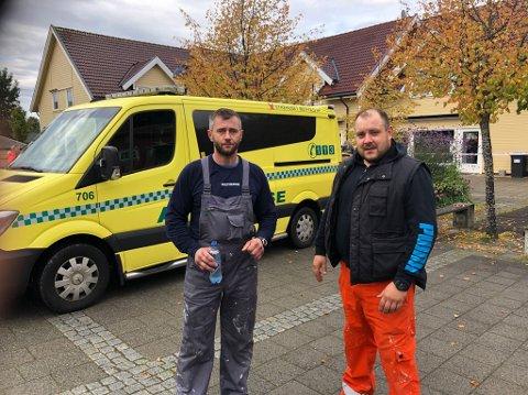 Handlet raskt: Krystian Lepa og Michao Animucki bråstoppet da de oppdaget brannen på Gressvik Torv. De varslet politiet og løp deretter rundt for å varsle beboerne, slik at de kom seg ut.