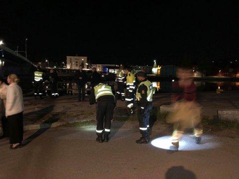 Det var like etter midnatt - natt til lørdag - det ble igangsatt en redningsaksjon etter at en bil havnet i Glomma.