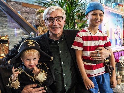 Terje Formoe sammen med Odin Hermansen (t.v) og Henning Andriss Grytte da Formoe besøkte Fredrikstad kino i fjor høst i forbindelse med lanseringen av den nye Sabeltann-filmen.