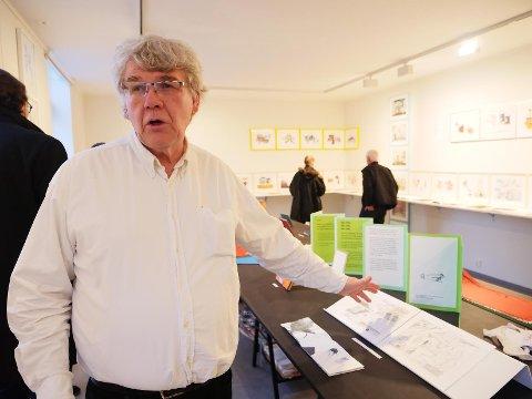 Den svenske kunstneren Per Jonas Lindström har gjort stor suksess med sine «artist books» og interessante trykk. Nå er han aktuell med utstillingen «En dag till en timma» ved ØKS. Lindström skal forøvrig også ha en rekke 'workshops' for både store og små ved kunstsenteret i perioden utstillingen varer, som vil være av stor interesse for mange. Mer informasjon rundt dette kan finnes på Østfold kunstsenter sine hjemmesider.