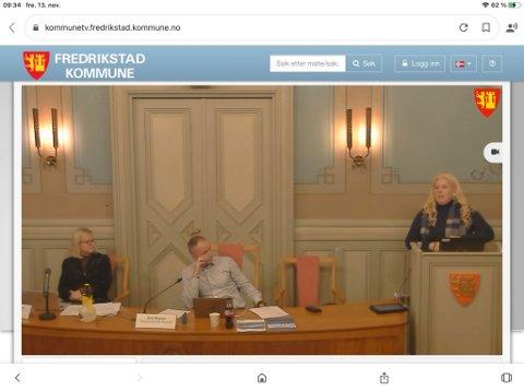 Det var fullt mulig å følge kulturutvalgets møte fra bystyresalen  digitalt på onsdag, noe Fredriksstad Blad valgte å gjøre. Men det var ikke teknisk mulig å delta digitalt. Det fikk Anita Nock (Frp, til høyre) å be om utsettelse. Til venstre direktør Bente Meinert og utvalgsleder Erik Skauen (MDG)