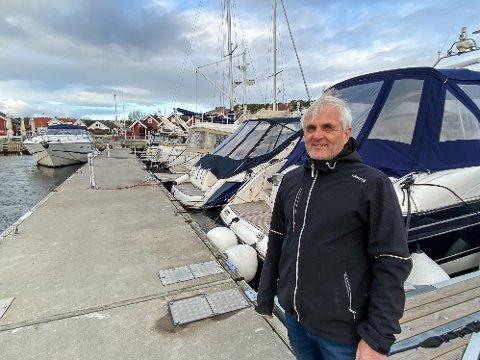 Skjærhalden Gjestehavn har fått mange større båter, hvor eierne ønsker å utvide sesongen, forteller   en fornøyd styreleder Øyvind Fjeldberg.