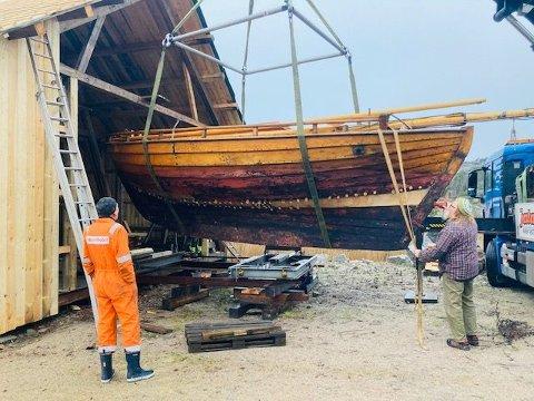 Det er historie når Hvalerskøyta nå er plassert i det nye båt- og formidlingssenteret ved Brottet