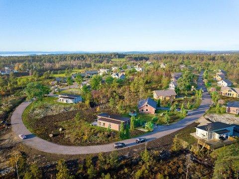 Flest hytter i Onsøy: Over 70 prosent av alle hyttene i Fredrikstad ligger i Onsøy. På bildet ser vi Onsøytoppen hyttefelt, et hyttefelt med nye fritidsboliger. Prosjektet består av 21 hyttetomter med mulighet for fem ulike hyttetyper. ( Foto: ReelTime/Privatmegleren Sarpsborg)