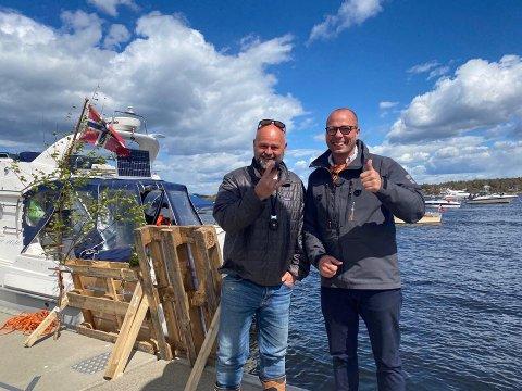 Initiativtakerne Gaute Blekken (tv) og Alexander De Brucq vil arrangere båtparade gjennom sentrum også på  17. mai i år.